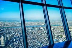 TOKYO, JAPON - MAI 2016 : Vue aérienne de ville de Tokyo prise à partir du dessus de la tour de Tokyo Skytree Photographie stock libre de droits
