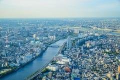 TOKYO, JAPON - MAI 2016 : Vue aérienne de ville de Tokyo prise à partir du dessus de la tour de Tokyo Skytree Photographie stock