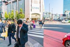 TOKYO, JAPON - 17 novembre 2016 : Shinjuku est un du busine de Tokyo Photos libres de droits