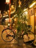 TOKYO, JAPON - 8 SEPTEMBRE 2018 Rue d'Asakusa la nuit Photo stock