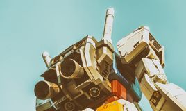 TOKYO - MAI 2016: Gundum-Roboter, wie vom Straßenniveau gesehen Sein m Stockfotos