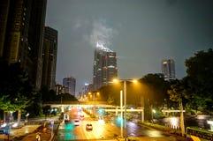 Tokyo-Nachtansicht mit Straßenlaterne stockfotos