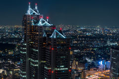 Tokyo nattsikt från storstads- kansli Royaltyfria Foton