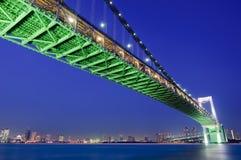 Tokyo-Regenbogen-Brücke lizenzfreie stockbilder