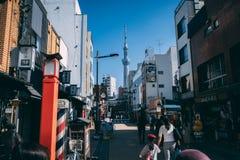 Tokyo Skytree ad area di Asakusa a Tokyo, Giappone fotografie stock