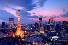Tokyo står hög Royaltyfri Bild