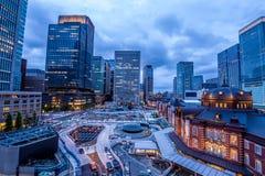 Tokyo-Station und seine Nachbarschaft Stockfotografie