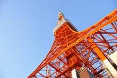 Tokyo torn, Tokyo gränsmärke med blå himmel, Japan Arkivfoto