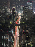 Tokyo trafik på natten Royaltyfri Foto