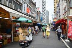 Tokyo, Tsukiji Japan - 18. August 2015 - Tsukiji-Fischmarkt ist Th Stockfotografie