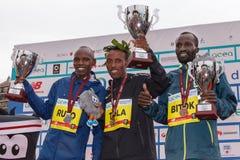 Tola, Ruto и Bitok, покрывают 3 в марафоне 2017 Рима Стоковые Изображения
