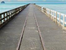 Tolaga fjärdhamnplats den längsta pir av Nya Zeeland Royaltyfri Bild
