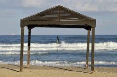 Toldo de la sombra en la playa Fotografía de archivo