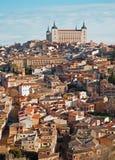 Toledo - Alcazar och stad i morgon Royaltyfri Fotografi
