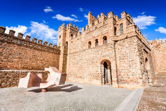 Toledo, Castilla-La Mancha, Espanha - Puerta de Bisagra Foto de Stock Royalty Free