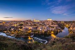 Toledo Cityscape mit Alcazar an der Dämmerung in Madrid Spanien Stockfotos