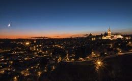 Toledo en la noche imagen de archivo