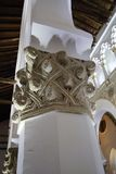 Toledo, Espanha, maio, 08, 2017 Cinzeladura de pedra de Sinagoga de Santa Maria La Blanca, Toledo, Espanha Este é um exemplo da c Fotos de Stock
