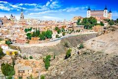 Toledo och Tejo River, Castilla, Spanien Royaltyfria Bilder