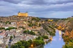 Toledo Spanien på Taguset River Arkivfoto
