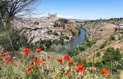 Toledo sur la rive droite Taho.Ispaniya. Photographie stock
