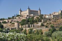 Toledo & x28; Spain& x29;: alcazaren Royaltyfri Bild