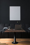 tolkning 3D: illustration av inre för kaffekafégarnering eller PCkontor av datorarbetarinre modern vindkaféstil Royaltyfri Fotografi