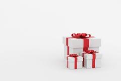 tolkning 3d: illustration av realistiskt format tre av gåvaasken för vit fyrkant med den röda bandpilbågen i tomt rum Isolat på v Royaltyfria Bilder