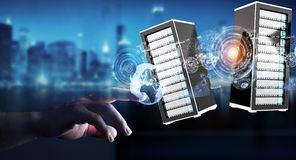 Tolkning för datorhall 3D för affärsmanförbindande serverrum Arkivbild