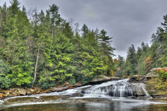 Tolliver fällt Wasserfall im Appalachen im Herbst Stockbild