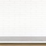 Tom överkant av stentabellen på vit bakgrund för tegelstenvägg Arkivbilder