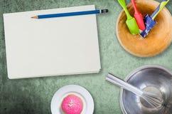 Tom anteckningsbok för att laga mat recept Arkivbild