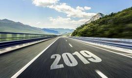 Tom asfaltväg och nytt år 2019 Tvåtusen nitton royaltyfria foton