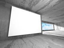 Tom baneraffischtavla för vit i mörkt betongväggrum med himmel Fotografering för Bildbyråer