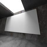 Tom baneraffischtavla för vit på betongväggen Arkivfoton