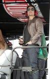 Tom Cruise, der an Daytona 500 teilnimmt stockbilder