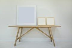 Tom dekorativ ram tre för målningar eller fotografier på Arkivbilder