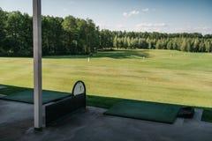 Tom golfbana i solig dag Fotografering för Bildbyråer
