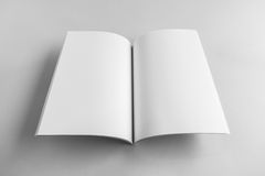 Tom katalog, tidskrift, bokmall med mjuka skuggor klart arkivbild