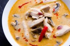 Tom Kha Kai-soep met paddestoelen Stock Foto