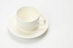 Tom kopp för vitt kaffe på vit bakgrund Royaltyfri Fotografi