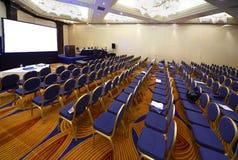 tom korridor för konferens Arkivbilder