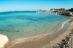 Tom strand med den sandiga stranden i Cypern Royaltyfri Foto