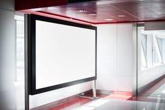 Tom svart advertizingställning i röd inre royaltyfri bild