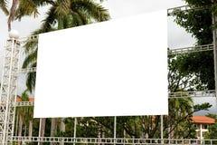 Tom tropisk affischtavlaannonsering stor vit annons isolerad T royaltyfri bild