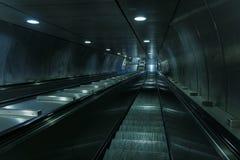 Tom tunnelbanarulltrappatrappa Arkivfoto