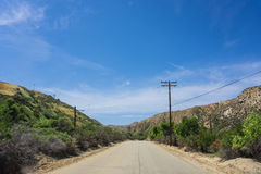 Tom väg i Kalifornien kullar Royaltyfri Bild