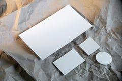 Tom vit affärsbrevpappermodell, mall för att brännmärka identitet royaltyfri foto