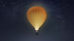Tom vit ballong med modellen för varm luft, bakgrund för natthimmel arkivfoto
