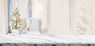 Tom vit marmortabellöverkant med abstrakt varm vardagsrumdeco Fotografering för Bildbyråer